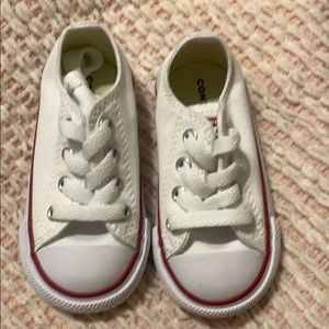 Brand new white size 5 converse all star shoes